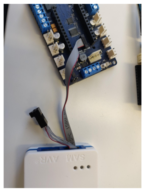 Connection to Atmel ICE